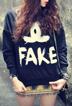 Blusa de Moletom ''Fake Chanel'' - Sob Encomenda R$65,90