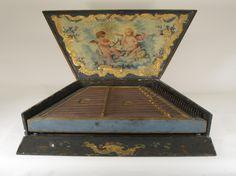 Psaltery (salterio) by Salvador Bofill, Barcelona, 1760. National Museum of Music, Univ.of So. Dakota