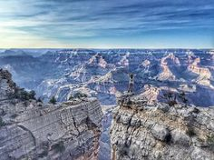 The top 10 most awesome sites to see on an Arizona Utah road trip, from the Grand Canyon, to Zion National Park, and some secret spots in between! National Park Fees, Us National Parks, Lower Antelope Canyon, Antelope Island, Best Tourist Destinations, Solo Camping, Arizona Road Trip, Us Road Trip, Viajes