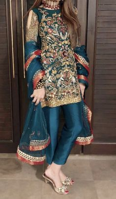 embroidered dress for wedding functions Pakistani Party Wear Dresses, Simple Pakistani Dresses, Shadi Dresses, Pakistani Fashion Casual, Pakistani Wedding Outfits, Pakistani Dress Design, Indian Dresses, Fancy Dress Design, Bridal Dress Design