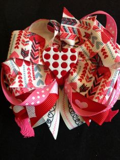 Check out this item in my Etsy shop https://www.etsy.com/listing/218627567/valentines-stacked-bow