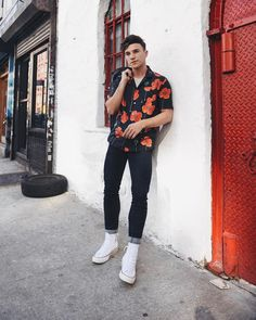 "9,946 Likes, 73 Comments - Justin Livingston (@justinliv) on Instagram: ""fun fact: I have a not-so-secret obsession with printed (particularly floral) short sleeve shirts…"""