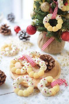 Christmas Goodies, Christmas Desserts, Christmas Treats, Christmas Baking, Jelly Cookies, Galletas Cookies, Cute Cookies, Winter Desserts, Fancy Desserts