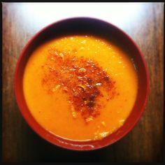 Σούπα ψητή με καρότα και κόκκινη πιπεριά