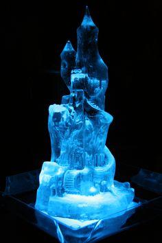 Γλυπτό πάγου με πολλές λεπτομέρειες. Ice Sculptures, Snow And Ice, Sign, Gallery, Google, Ice, Signs, Board