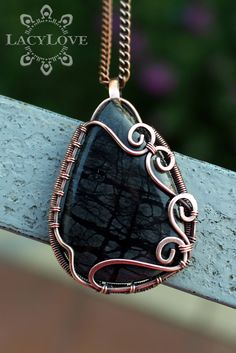 Handmade silver filigree and wire wrapped jewelry. Wire Jewelry Patterns, Wire Jewelry Designs, Metal Jewelry, Beaded Jewelry, Handmade Jewelry, Jewelry Tree, Jewellery, Wire Pendant, Wire Wrapped Pendant
