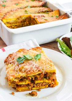 Pastelón is a classic Puerto Rican dish made with layers of thinly-sliced plantains, ground beef, and cheese! Think of it as a Puerto Rican version of lasagna. It's the perfect casserole to make for a potluck or family gathering. Banane Plantain, Ripe Plantain, Puerto Rican Dishes, Puerto Rican Recipes, Puerto Rican Lasagna, Cuban Recipes, Portuguese Recipes, Steak Recipes, Puerto Rico