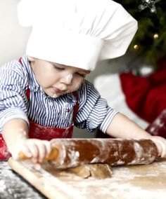 Children's activities are beauty and so cute. Children's activities will see forget our worries. Children's will be cooking up would be nice to see. Christmas Kitchen, Christmas Baking, Kids Christmas, Country Christmas, Christmas Cookies, Precious Children, Beautiful Children, Beautiful Babies, Little People