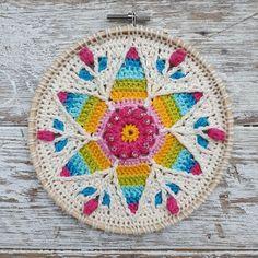 Fancy Nancy - Crochet Mandala Pattern ⋆ Look At What I Made Crochet Pattern Free, Crochet Mandala Pattern, Crochet Gratis, Tapestry Crochet, Crochet Doilies, Knitting Patterns, Double Crochet, Single Crochet, Ravelry