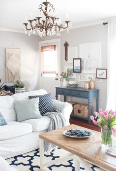 Feature Friday: Shades of Blue Interiors - Southern Hospitality