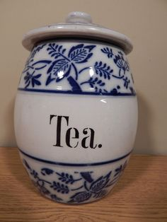 """ANTIQUE  BLUE ONION 6"""" CANISTER WITH LID.  TEA."""