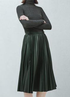 Pleated midi skirt i