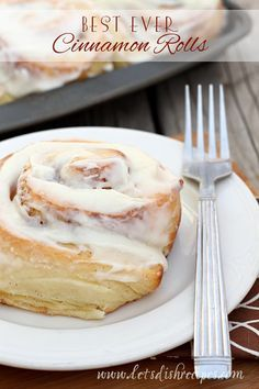 Best Ever Cinnamon Rolls | These giant cinnamon rolls are perfectly soft with a delicious cream cheese frosting. #recipe