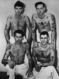 26 krasse Vintage-Fotos von Tattoos - List of the most beautiful tattoo models Foot Tattoos, Sexy Tattoos, Sleeve Tattoos, Tattoos For Guys, Arabic Tattoos, Flash Tattoos, Arabic Henna, Tattoo Ink, Arm Tattoo