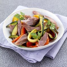 Voici la fine salade de Noël qui vous pourrez proposé en accompagnement du plat à suivre. C'est une salade raffinée et légère, parfaite pour adoucir le menu de Noël où on a tendance à trop en faire !