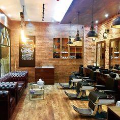 Super Vintage Tattoo Men Design Barber Shop 43 Ideas - New Site Barber Shop Interior, Barber Shop Decor, Hair Salon Interior, Shop Interior Design, Cafe Design, Best Barber Shop, Classic Barber Shop, Barber Shop Vintage, Barber Man