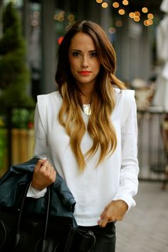 .love this whole look.. from the hair to the lipstick to the outfit!