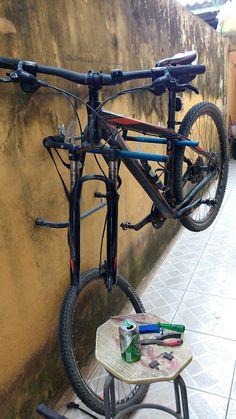 Sem Conceito Definido: Suporte Para Manutenção de Bike Caseiro