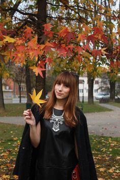 DJEVOJKA OD MODE: Leather dress