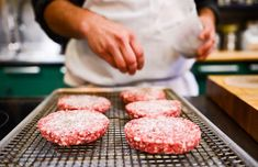 Weekend Project: How to Perfect the Perfect Burger
