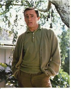 Man from U N C L E Robert Vaughn as Napoleon Solo Outside by Tree 8 x 10 Photo   eBay