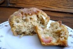 No fat, no sugar, whole wheat, 92-cal Oatmeal Applesauce Muffins...mornings just got lighter, ladies! Only 1 WW point!