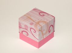 Here is a square box with a plain lid.  Set the box height at 9 inches and the lid at 7.1 inches to cut a 3×3″ box.   The layered files have a layer for scoring with solid lines.  The fi…