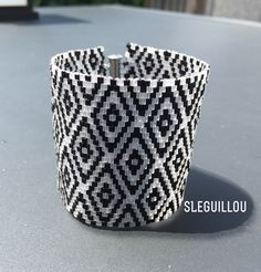 White & Black Cuff Cube miyuki 1,8 mm tissage peyote SLeGuillou 2015