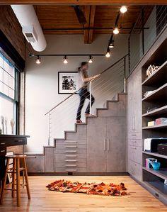 """""""Si tenéis la suerte de tener una escalera en vuestra vivienda, en el siguiente artículo podréis encontrar una serie de ideas y consejos par..."""