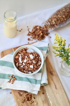 ROASTED CASHEW & COCONUT COCOA GRANOLA » because chocolate. for breakfast. need I say more? {plant-based, vegan, gluten free}