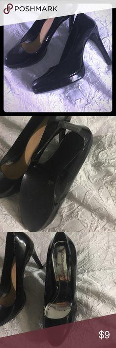 "BCBGeneration pumps Patent leather worn twice but it has a scratch pic (4 ) 4.5"" h BCBGeneration Shoes Heels"