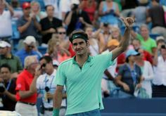 Federer tames Murray to reach Cincinnati`s Semis