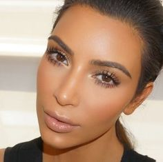 Kim Kardashian Fresh and Clean Makeup Mario New York - KIM KARDASHIAN WEST
