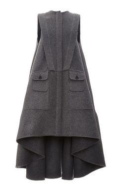 Grey Sleeveless Virgin Wool Coat by Antonio Berardi for Preorder on Moda Operandi Hijab Fashion, Fashion Dresses, Modelos Fashion, Antonio Berardi, Fashion Details, Fashion Design, Mode Hijab, Wool Coat, Ideias Fashion