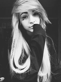Emo, Cool Girl, Crushes, Hair Color, Hairstyles, Queen, My Love, Haircolor, Hair Cuts