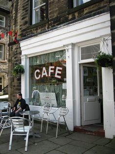 Nora Batty Holmfirth West Yorkshire Tv Set Studios Last Of The Summer Wine Sid's Cafe Yorkshire Day, Yorkshire England, England And Scotland, England Uk, Last Of Summer Wine, Tv Set Design, Sidewalk Cafe, British Comedy, Spawn