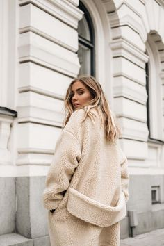 Fashion Gone rouge l teddy coat Mode Outfits, Fashion Outfits, Fur Fashion, Fashion Clothes, Style Fashion, Fashion Ideas, Womens Fashion, Fashion Tips, Winter Outfits