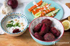 Cviklový falafel - recept | mozessavydavat.sk Falafel, Tahini, Tofu, Hummus, Raspberry, Fruit, The Fruit, Falafels, Raspberries