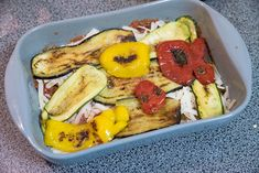Ovenschotel met paprika, courgette en aubergine - Keuken♥Liefde Zucchini, Meal Prep, Food Prep, Eggplant, Acai Bowl, French Toast, Menu, Vegetarian, Pasta