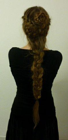 love this long messy braid
