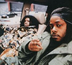 "Das EFX ~ The two met at Virginia State University in 1991 and began performing together. Consisting of emcees Dray aka Krazy Drayz, born Andre Weston, (9/9/70; Teaneck, NJ) & Skoob aka Books, born William ""Willie"" Hines, (11/27/70; Brooklyn, NY). They named themselves ""DAS"" standing for ""Dray and Skoob"" and ""EFX"" meaning ""effects"". They rose to popularity in the early '90s due to their affiliation with EPMD's Hit Squad."