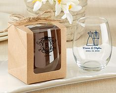Display your stemless wine glass favor in the perfect packaging. Adorn with clear window with a natural twine bow, these kraft wine is a great way to give your party favor to your guest.