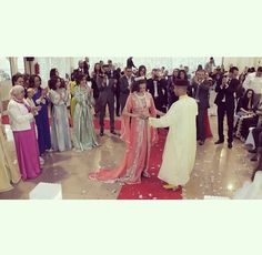 Image via We Heart It https://weheartit.com/entry/167860831 #beautiful #couple #dance #dress #family #hall #mashallah #morocco #princess #sweet #wedding #caftan #maghrebia