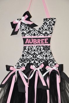 Tutu Bow Holder, Sheridyns bows have already filled two of these up :( guess we need more!