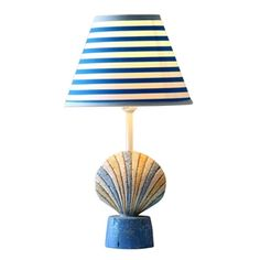Modern Simple Conch Scallops Modeling Table Lamp Linen Shade