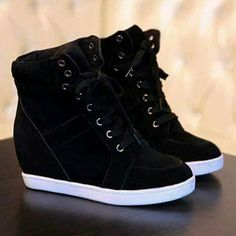 Pin by Johanna on zapatos johanna in 2019 Cute Sneakers, Sneakers Mode, Wedge Sneakers, Sneakers Fashion, Fashion Shoes, Shoes Sneakers, High Top Sneakers, Heeled Boots, Shoe Boots