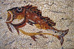 poisson Mosaic Artwork, Roman History, Mosaic Patterns, Byzantine, Animal Design, Mosaic Tiles, Fresco, Decoration, Roman Food