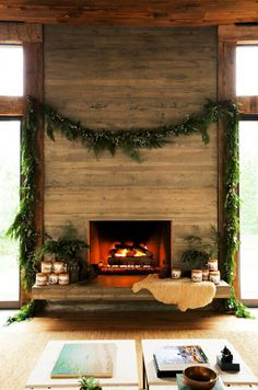 Beautiful Ways To Decorate Your Fireplace This Season