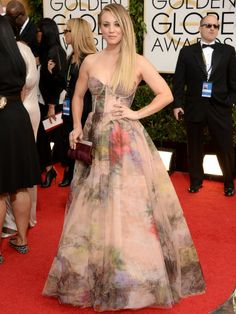 Kaley Cuoco Golden Globes red carpet 2014