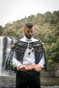 WeaveRdream gallery showcasing Korowai (Maori Cloak) for weddings and other events. Gothic Corset, Victorian Gothic, Gothic Lolita, Cyberpunk Fashion, Emo Fashion, Gothic Fashion, Flax Weaving, Weaving Art, Gothic Girls